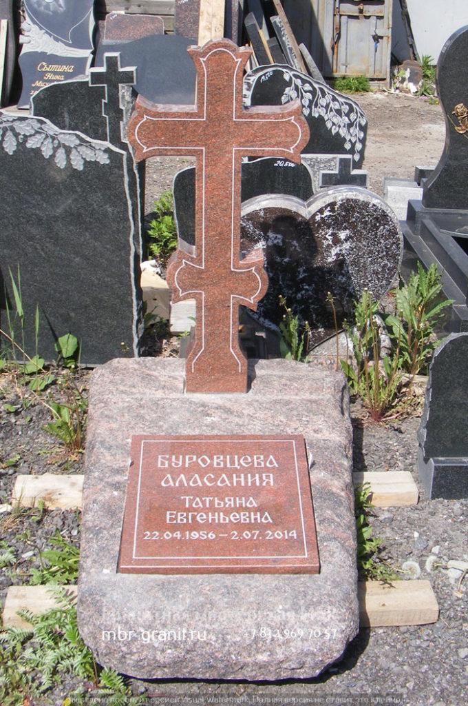 христианский крест из дымовского гранита