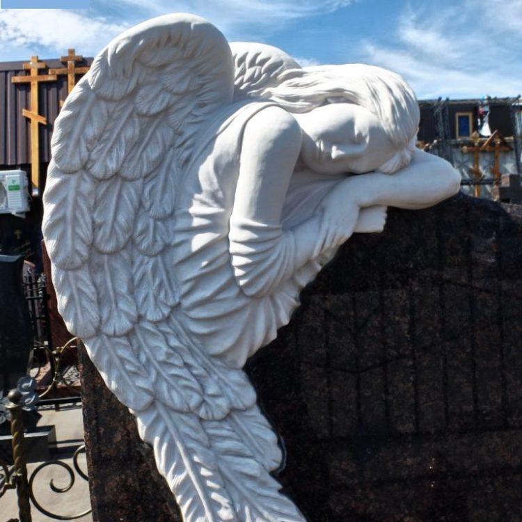 корабль, скорбящий ангел фото на памятник называют особого вида