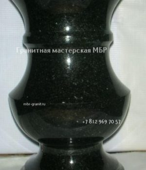 ваза из камня