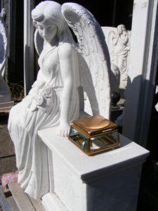 ангел и бронза