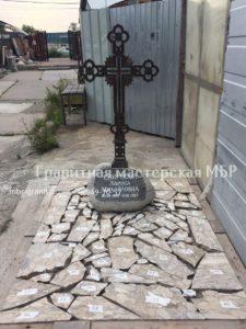 крест из чугуна