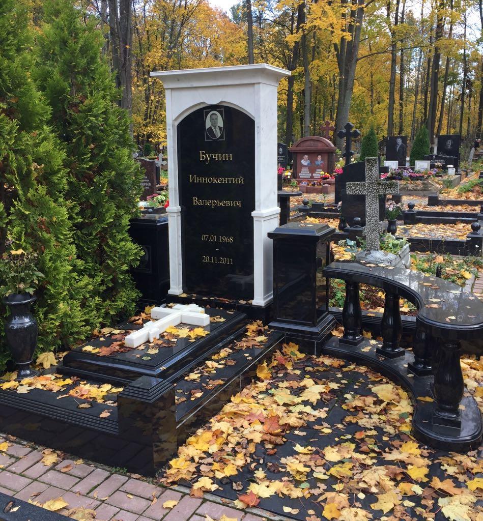Купить памятник на могилу фото спб эскизы памятников