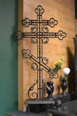 Крест могильный металлический
